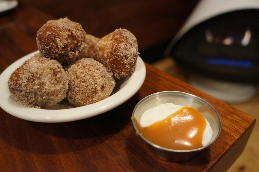 Delux Donuts